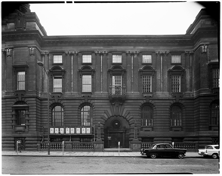 http://davidrowan.org/files/gimgs/21_congreve-street-view-of-council-house-12-april-1964-1.jpg