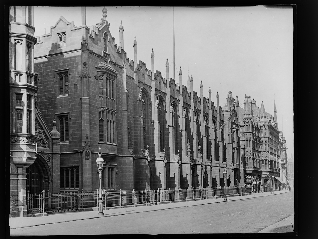 http://davidrowan.org/files/gimgs/54_ke-archive-extra-large-glass-plate-negatives----new-st-school-exterior.jpg