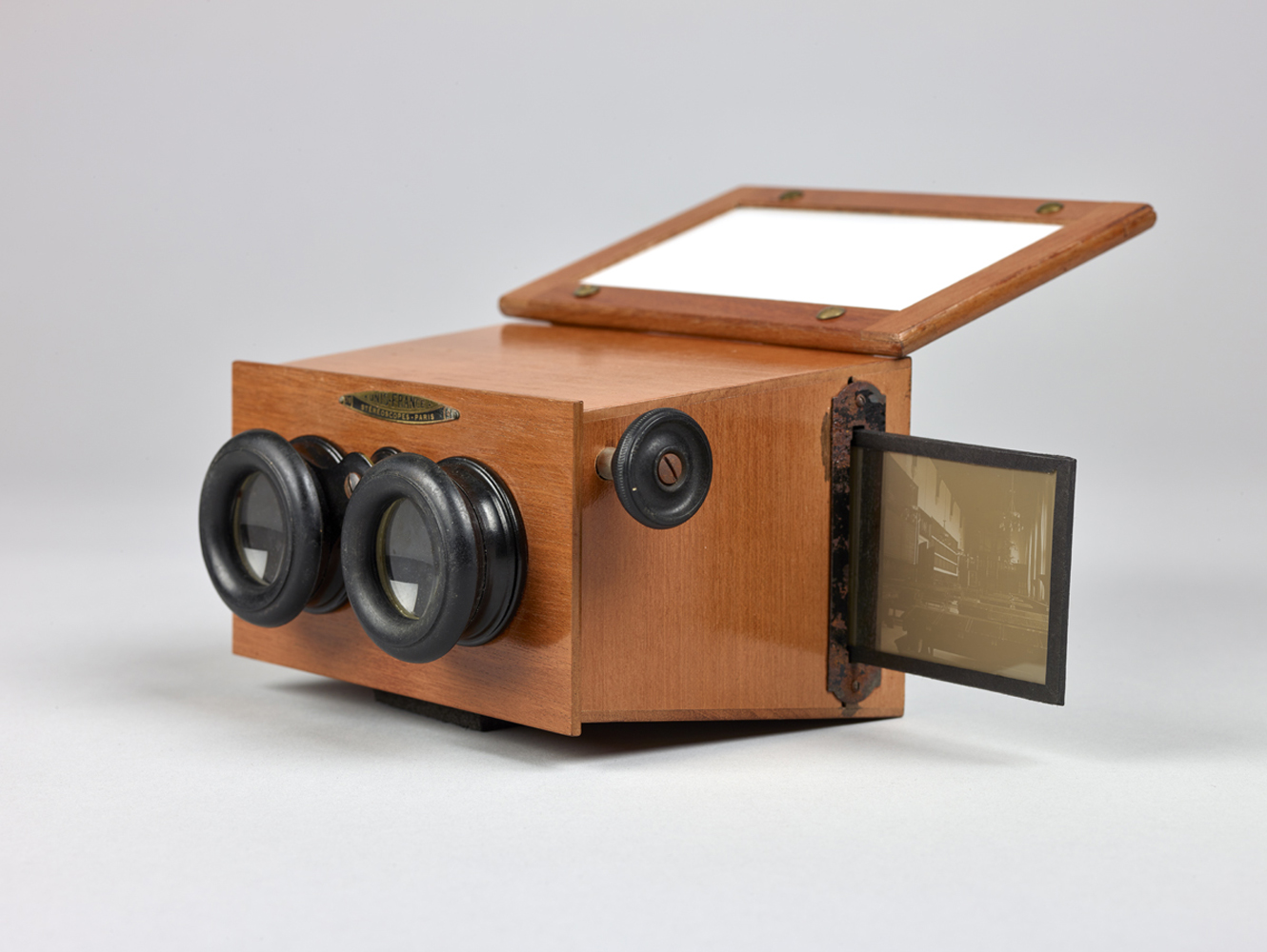 http://davidrowan.org/files/gimgs/54_ke-archive-stereoscope-viewer-two-20.jpg